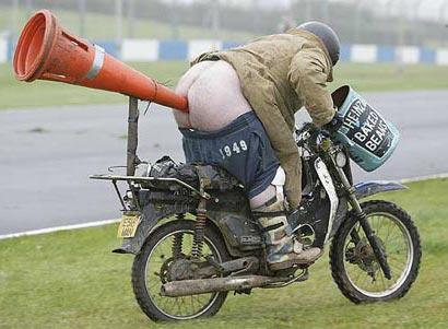 pedo en moto